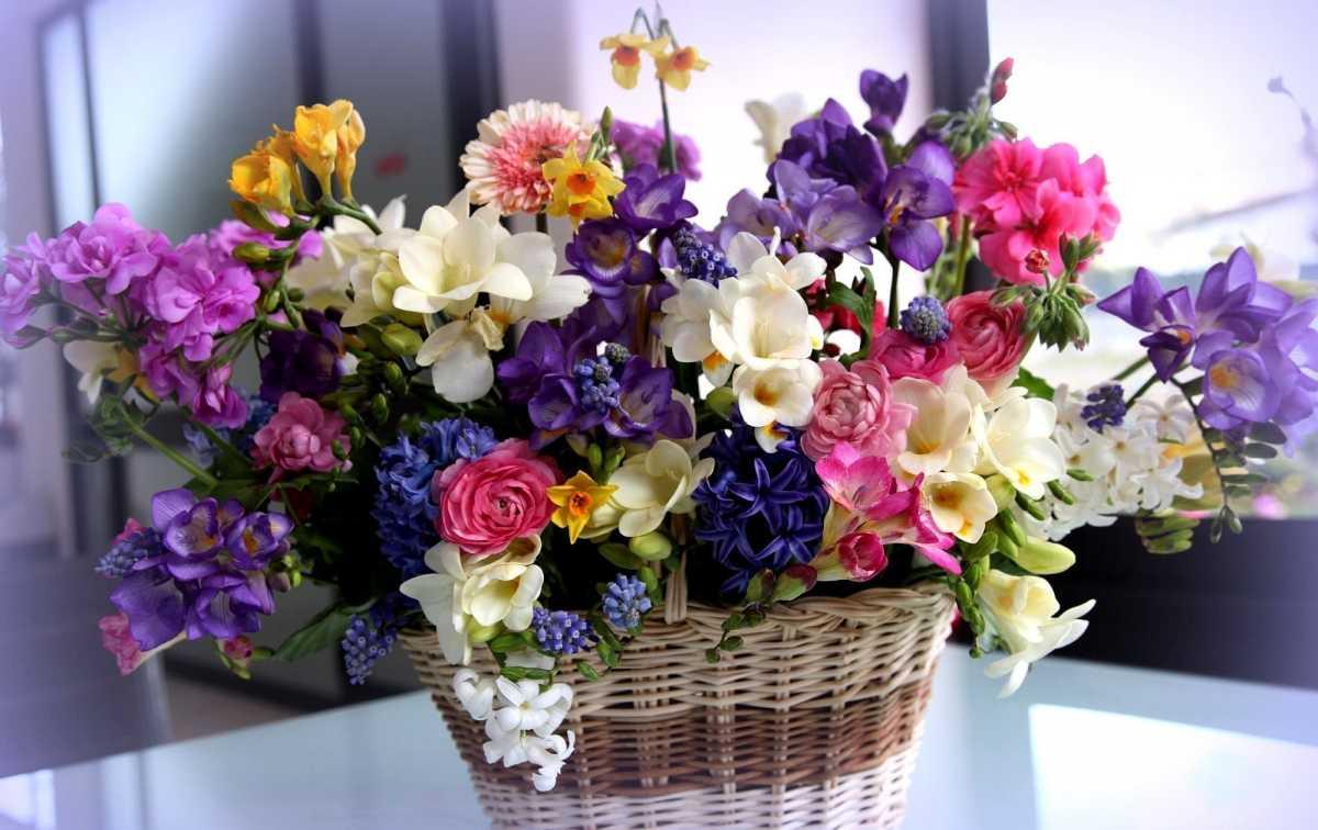 Когда дарят цветы на свадьбу в загс