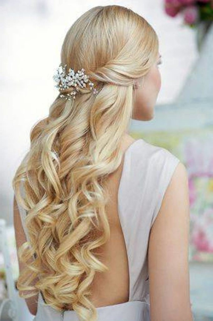 13 Завиток к завитку - свадебная прическа для длинных волос