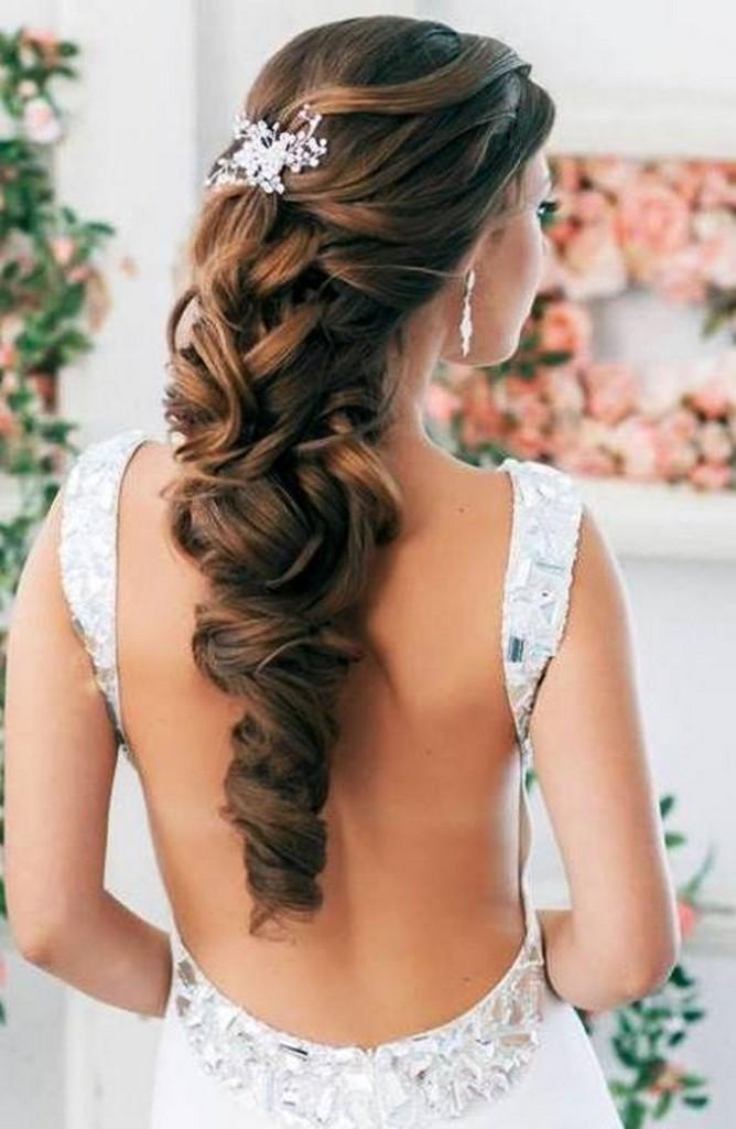 22-668x1024 Завиток к завитку - свадебная прическа для длинных волос