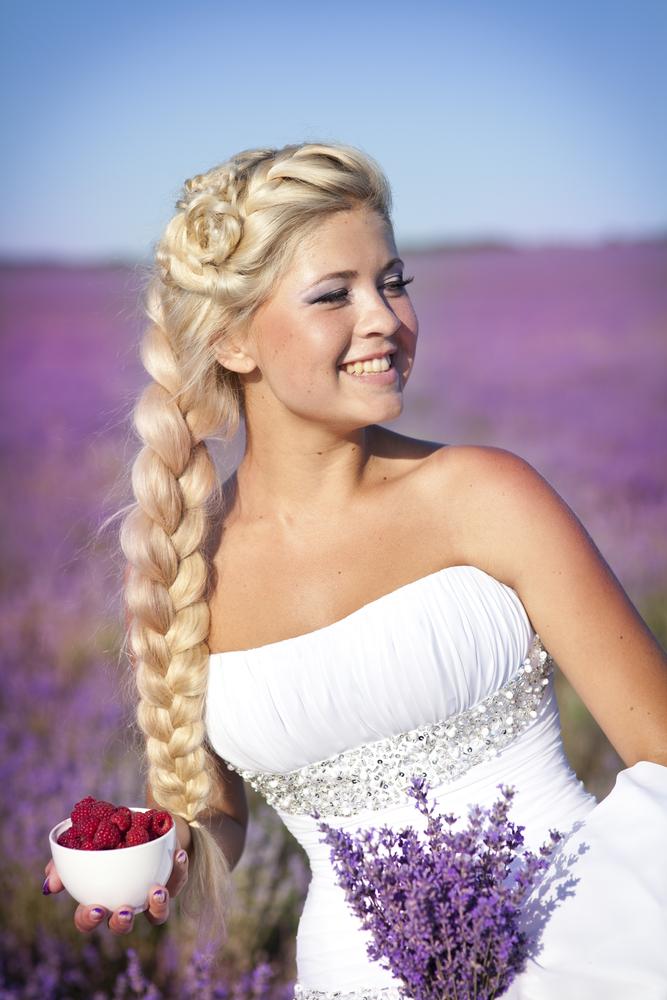 8 Завиток к завитку - свадебная прическа для длинных волос