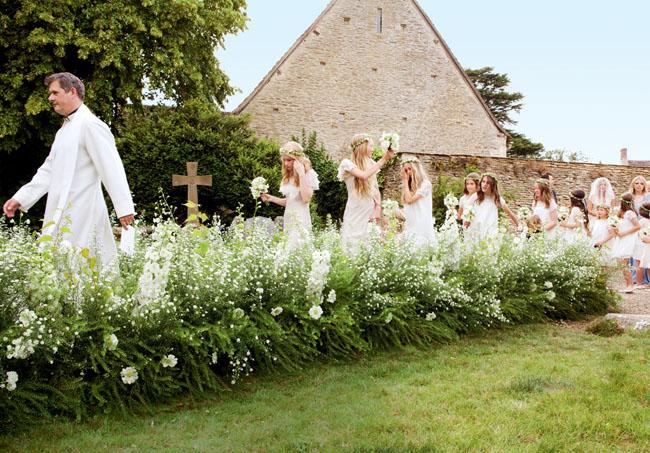 KejtMoss4 Cупер свадьба Кейт Мосс в стиле чисто английского романтизма.