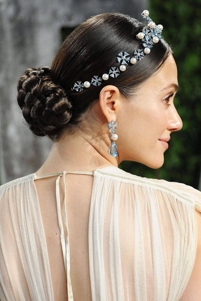 xln-xln-682x1024 Завиток к завитку - свадебная прическа для длинных волос
