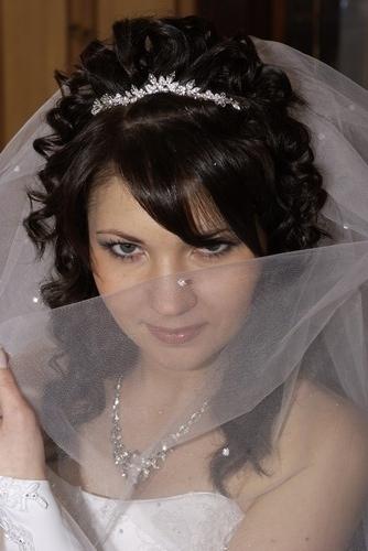 78434145 Какую свадебную прическу выбрать для брюнетки?