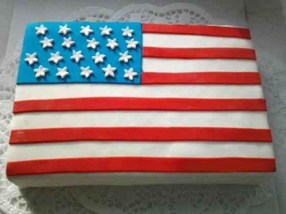 "Tort-amerikanskij-flag Свадьба в стиле ""Американский флаг"": несколдько идей и советов"