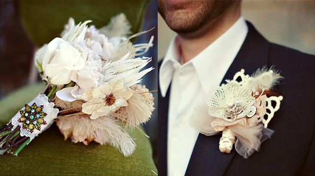 Сочетание букета невесты и бутоньерки жениха