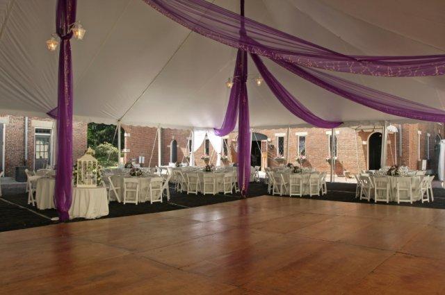 Как украсить свадебный танцпол