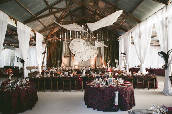 """dekor-v-stile-stimpank Свадьба в стиле """"Стимпанк"""": роботы, шестеренки, гайки и болты в декоре"""