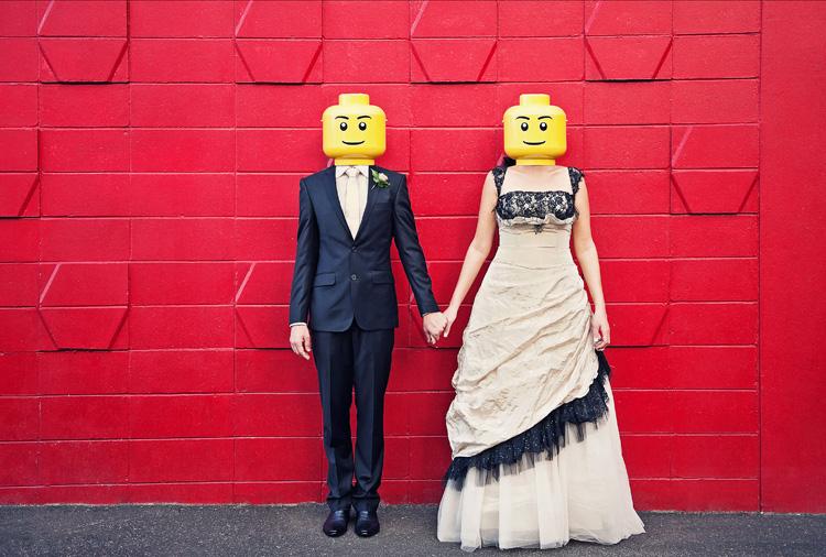 fotosessiya-zheniha-i-nevesty-lego Свадьба в стиле LEGO