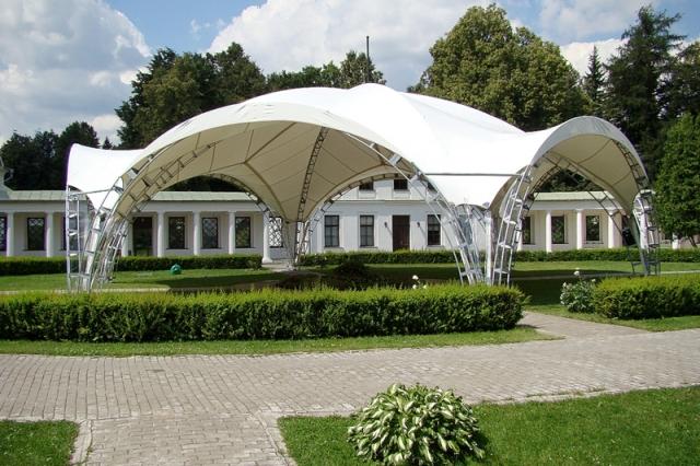 karkasnyj-shater Свадебные шатры - элемент декора выездной свадьбы на природе