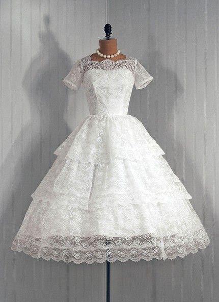 koktejlnoe-plate-2 Свадебные платья в стиле 1950 года