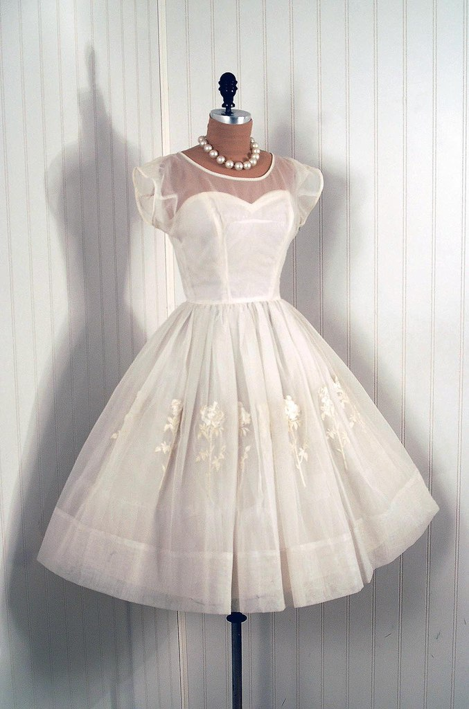 koktejlnoe-plate-6 Свадебные платья в стиле 1950 года
