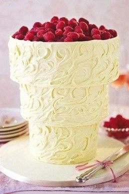 perevernuty-malinovyj-tort Свадебный торт перевертыш