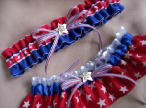 "podvyazka-amerika Свадьба в стиле ""Американский флаг"": несколдько идей и советов"