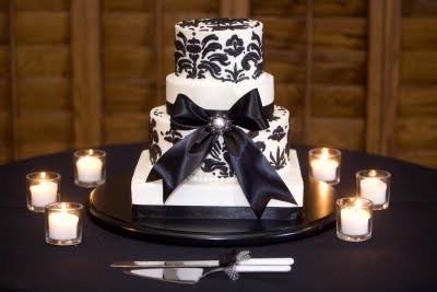 svadebnyj-tort-CHB Свадьба в черно-белом стиле