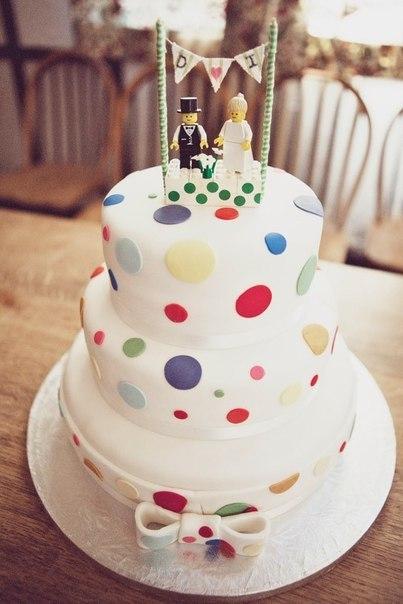svadebnyj-tortik-lego Свадьба в стиле LEGO