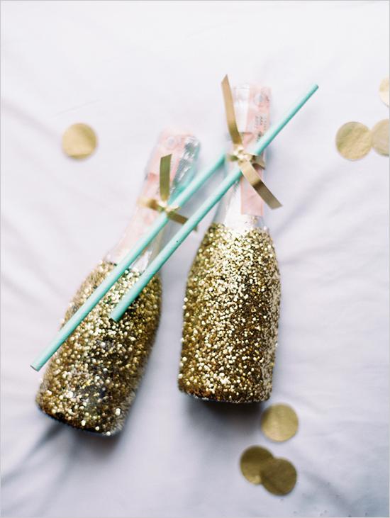 zolotye-svadebnye-butylki Свадьба в золотистых оттенках