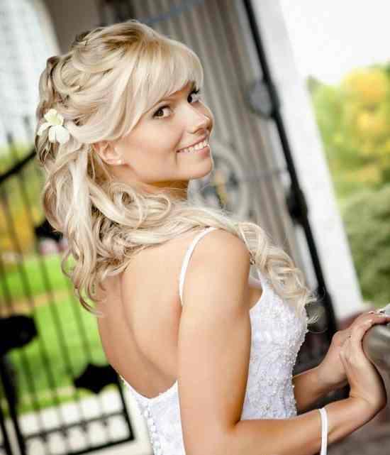 1205.550x739.1405870780 Рекомендации о прическах для блондинок