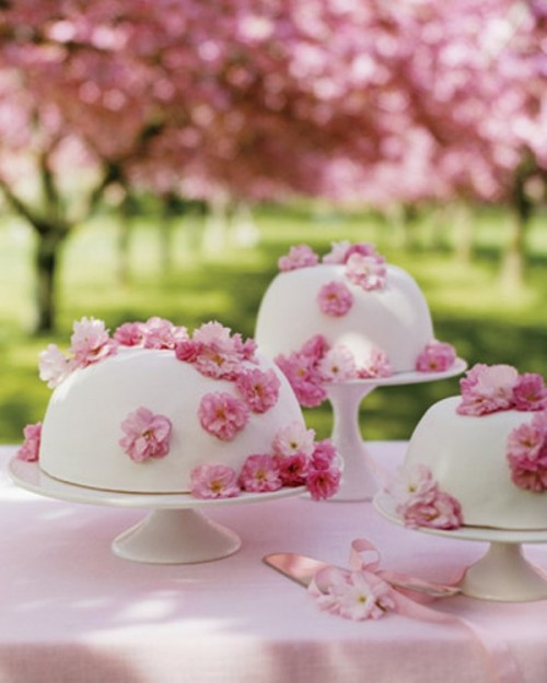 35-floral-fancies-and-prints-wedding-inspiration-6 Свадьба в стиле «Сакура»: прекрасная весенняя свадьба