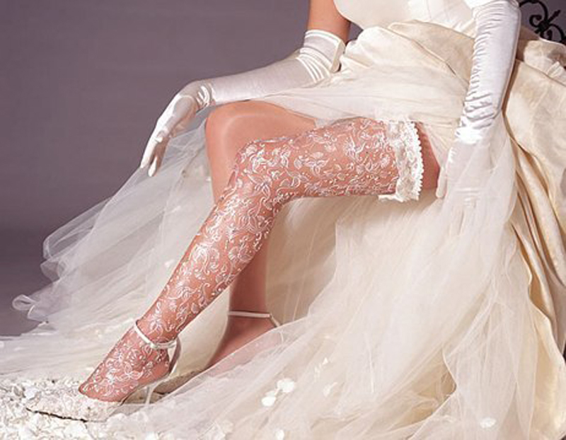 Выбираем чулки для свадебного образа