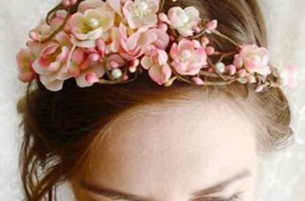 610x610_cvetochnye_venochki_dlya_417983_0 Свадьба в стиле «Сакура»: прекрасная весенняя свадьба