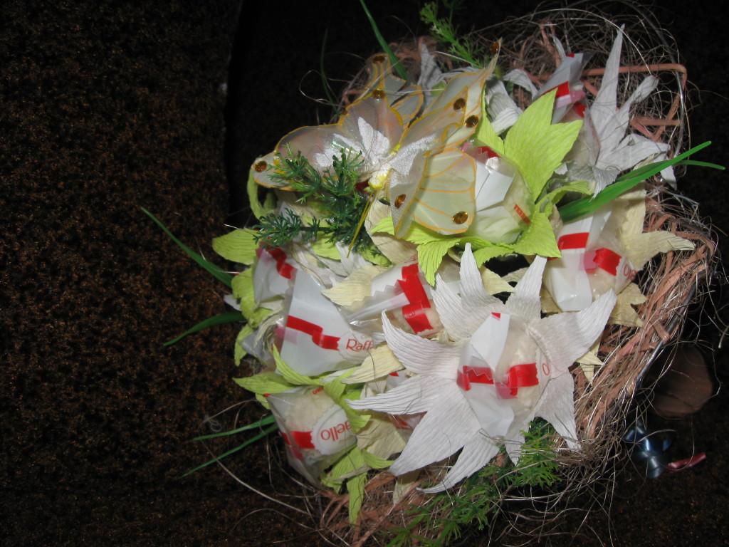 IMG_4411-1024x768 Свадебные букеты из конфет