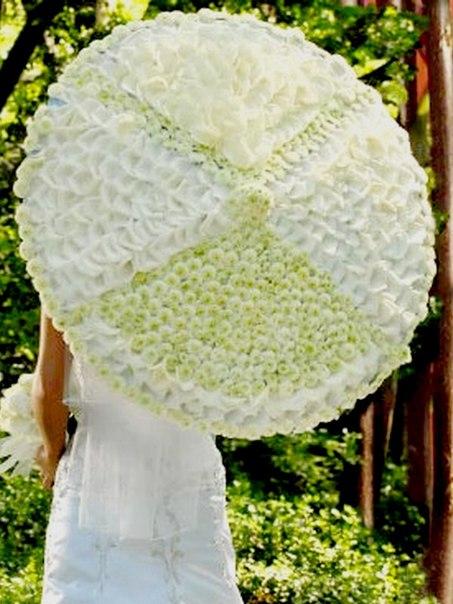 Свадебный букет в виде зонтика: модная тенденция у свадебного букета.