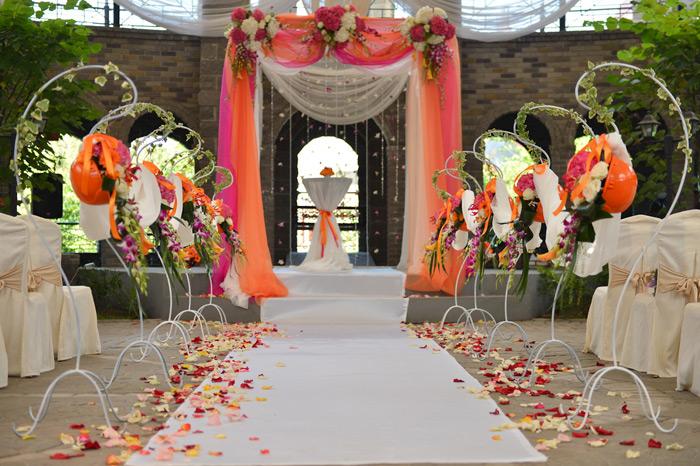 """dekor-zala-strojka Свадьба в стиле """"Стройки"""" для веселых и необычных пар"""