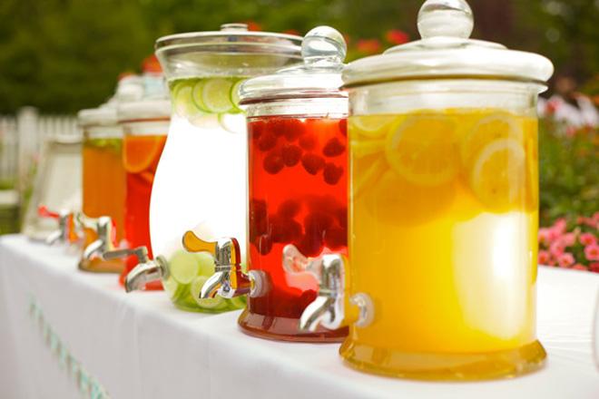 drink-station-beverage-dispenser-13 Чайный бар на свадьбе
