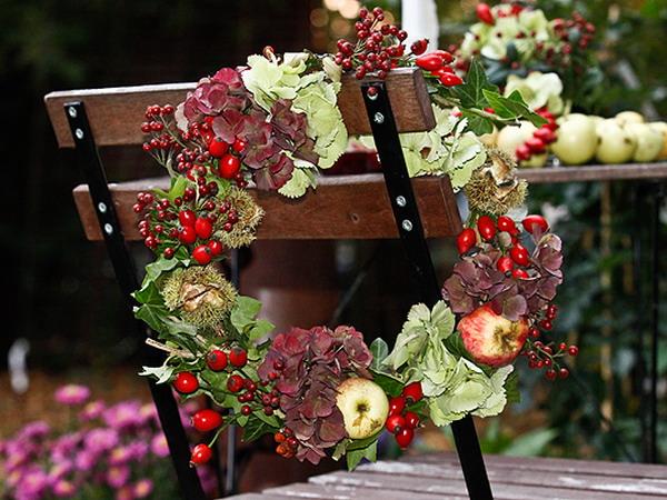 fall-table-setting-in-harvest-theme-chair-decorating4 Осенние украшения свадебного стола