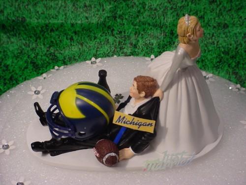 figurki-na-svadbu-regbi Яркая спортивная свадьба в стиле регби клуба Мичеган