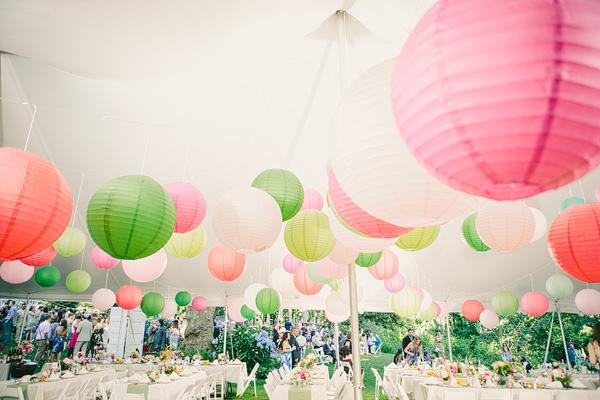 Бумажные фонарики в оформлении свадьбы. Фотоподборка