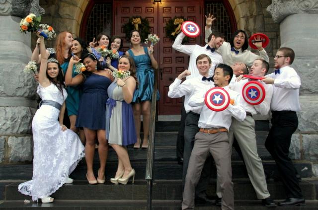 Свадьба в стиле супергероя Капитана Америке, для поклонников комиксов