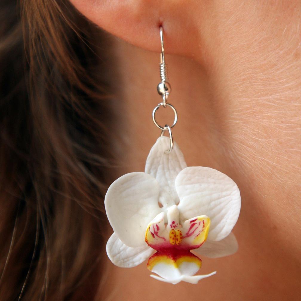 orhideya-iz-gliny Свадебные серьги из полимерной глины креативно, стильно и красиво