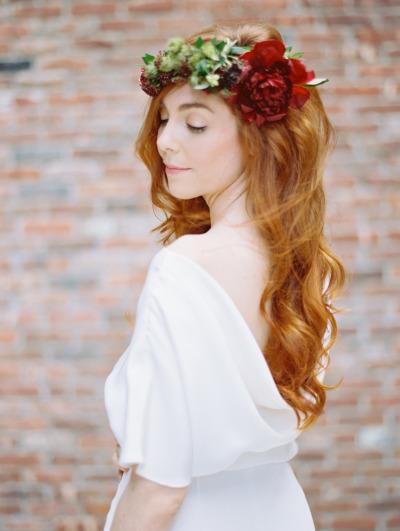 pricheski-s-zhivymi-tsvetami9 20 причесок с живыми цветами