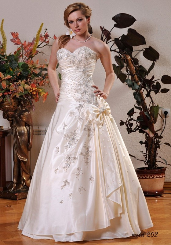 Прокат свадебного платья