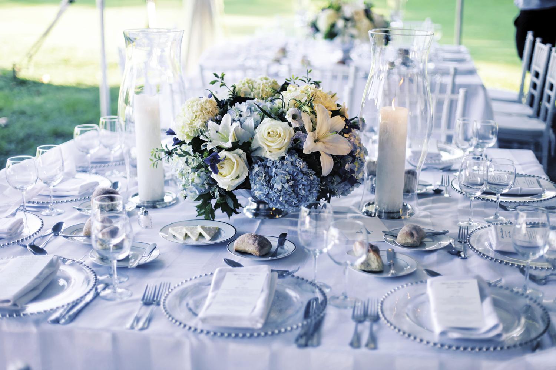 servirovka-stola-gortenziya Свадьба в стиле гортензия, используем цветы в качестве основного декора для оформления свадебного торжества в определенном стиле