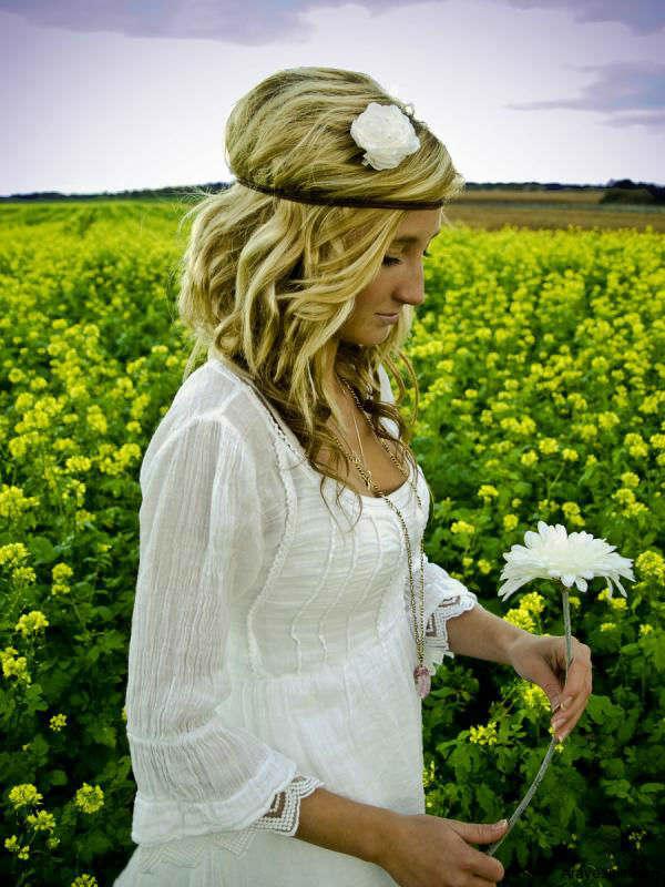 svadebnoe-plate-v-stile-hippi Свадьба в стиле хиппи: соприкосновение  с природой и свобода в декоре свадьбы