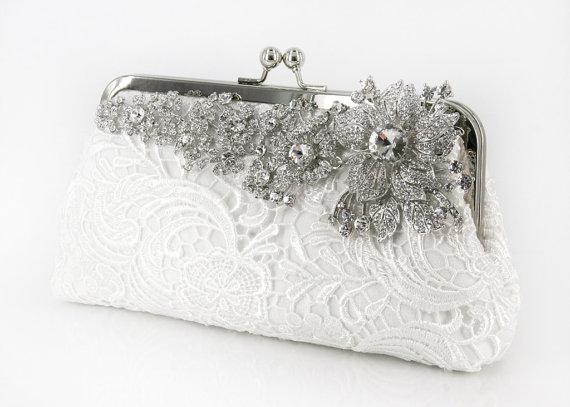 svadebnyj-klatch-potselujchik Свадебная сумочка: стили и фасоны, а так же советы по выбору