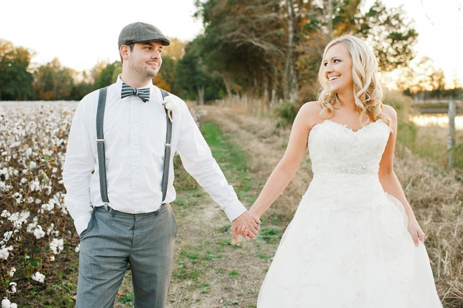 svadebnyj-kostyum-zheniha-iz-lnyanoj-tkani Свадьба в сельском стиле - модная свадебная тенденция