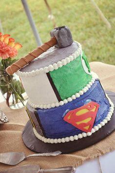 svadebnyj-tort-tor Свадьба в стиле супергероя Тора, для любителей данного персонажа