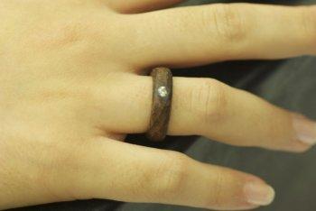 svadenoe-koltso-1 Фотоподборка колец для деревянной свадьбы