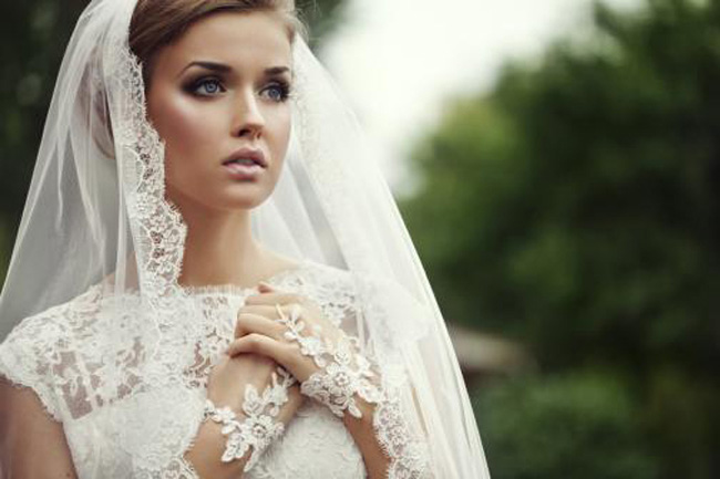 trang-diem-co-dau-co-dien-dep-mo-mang-1 Виды фаты для невесты