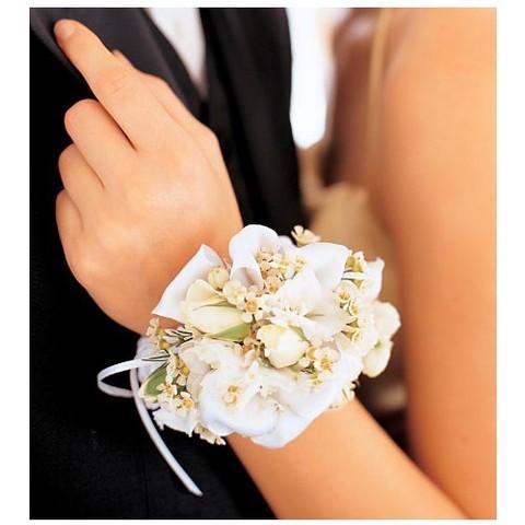 tsvetochnyj-braslet-na-svadbu-4 Цветочный браслет на свадьбу