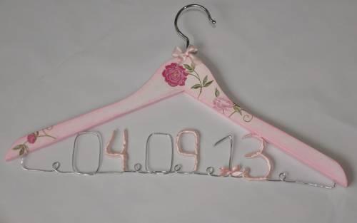 veshalka-data Свадебные вешалки - элемент декора предсвадебной фотосъемки