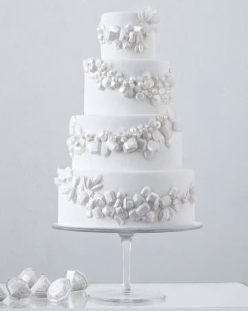 wedding-cakes-04-mwd108904_vert Белые свадебные торты - один из модных трендов