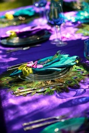 """1321566626433001 Свадьба в стиле """"павлиньи краски"""": аккуратно украшаем павлиньими перьями"""