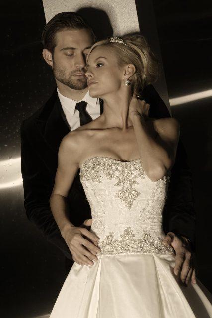 221-1 Свадебные платья от дизайнера Simone Carvalli, фото и видео коллекций