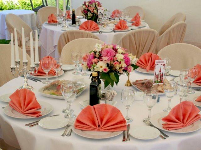 Правила сервировки свадебного стола
