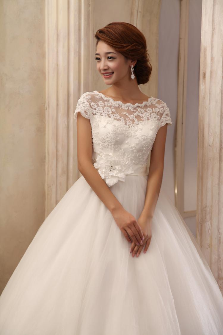 36699f57908 ... свадебного платья смотрятся потрясающе и роскошно.  T2m4uyXjNbXXXXXXXX 631005883 Советы по выбору платья с кружевным верхом