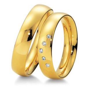 Как выбрать золотые обручальные кольца?